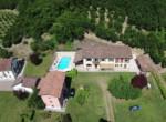 landgoed met zwembad in piemonte te koop - mombercelli