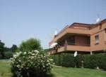 Passignano sul Trasimeno Penthouse met zwembad te koop 2