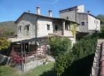 Umbrie te koop - stenen huis met uitzicht op trasimeno meer 1