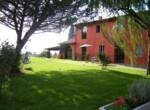 Villa in de heuvels bij Lucca Toscane te koop 1