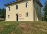 te renoveren villa bij Lucca Toscane te koop 1