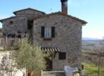 Todi Umbria - Stenen landhuis te koop 1