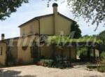 Villa met zwembad bij Mondavio Le Marche te koop 2