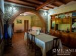 Volterra stenen landhuis te koop in Toscane 7
