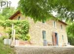 Vrijstaand stenen huis in Dego Liguria te koop 1
