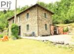 Vrijstaand stenen huis in Dego Liguria te koop 2