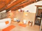 Vrijstaand stenen huis in Dego Liguria te koop 23