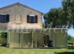 arcevia le marche huis met zwembad te koop 20