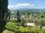 natuurstenen landhuis met zwembad in Le Marche te koop 23
