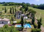 natuurstenen landhuis met zwembad in Le Marche te koop 3