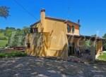 te koop vrijstaande woning met tuin en zeezicht le marche mombaroccio 3