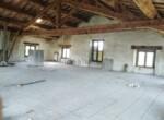 Ruime vrijstaande rustieke woning in Pesaro Le Marche te koop 24