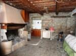 Ruime vrijstaande rustieke woning in Pesaro Le Marche te koop 3