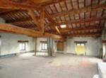 Ruime vrijstaande rustieke woning in Pesaro Le Marche te koop 7